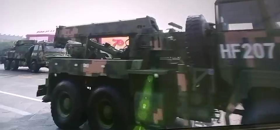 國慶節閱兵式上展示的隨車吊搶險車