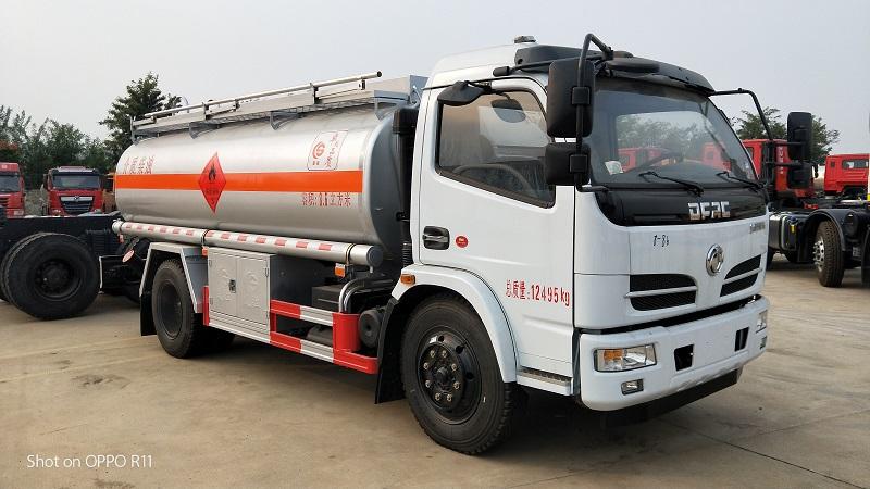 楚胜牌8吨加油车CSC5127GYY5A型运油车参数报价视频