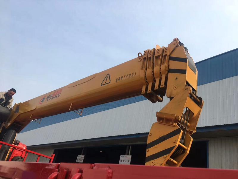 2019新款随车吊12吨U型臂4节5节臂吊机图片