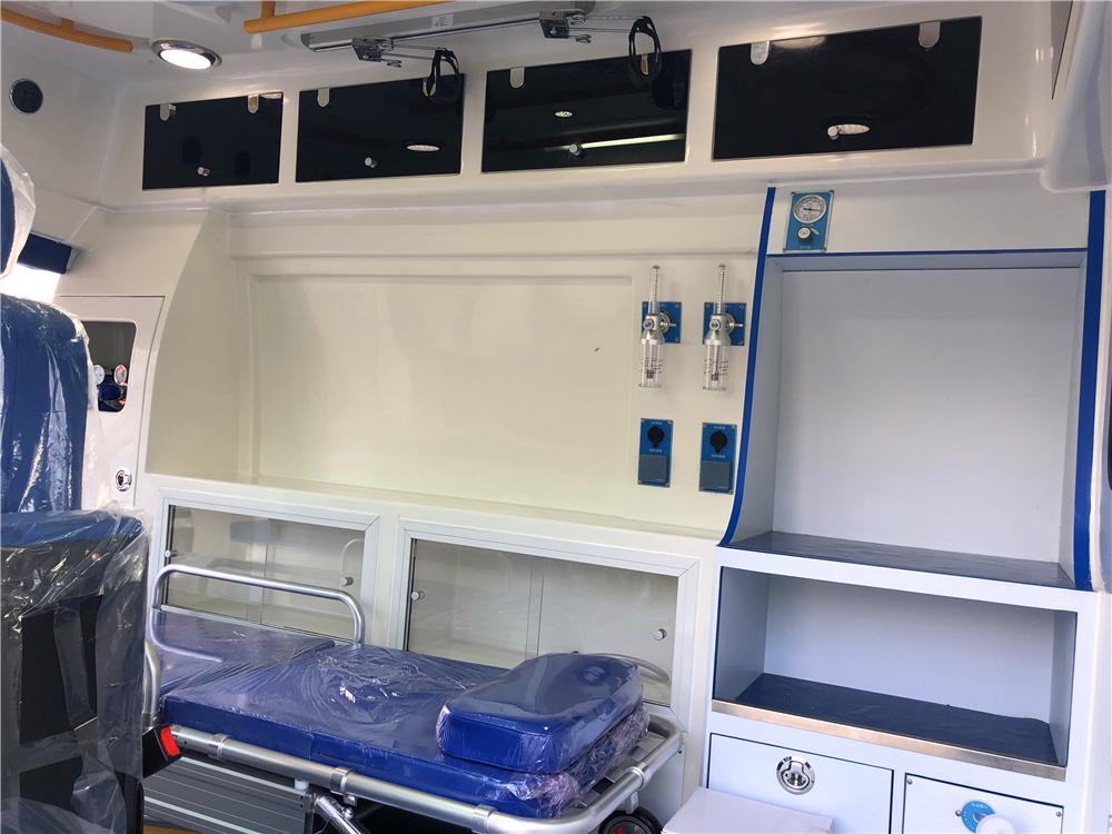 奔驰国六救护车 (7)