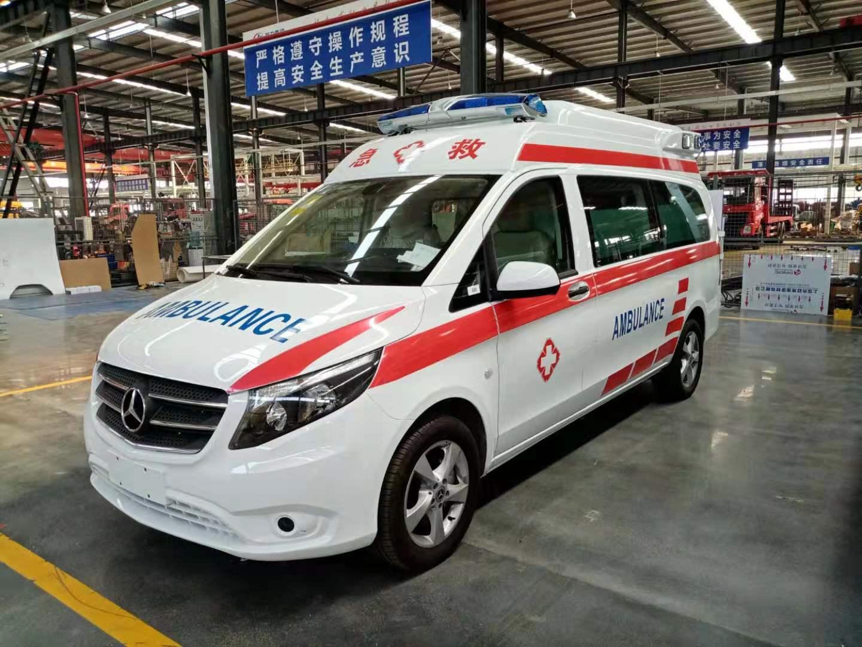 梅赛德斯-奔驰国六救护车