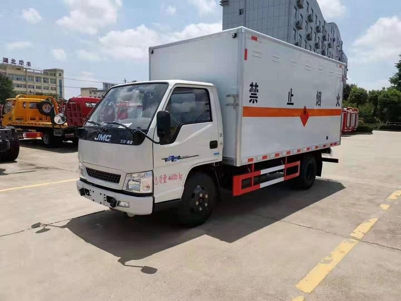 江鈴爆破器材運輸車4.2米藍牌危險品廂式車圖片視頻