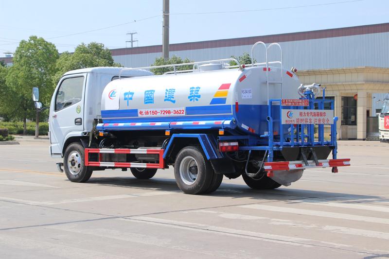 东风多利卡5吨洒水车_高清图片