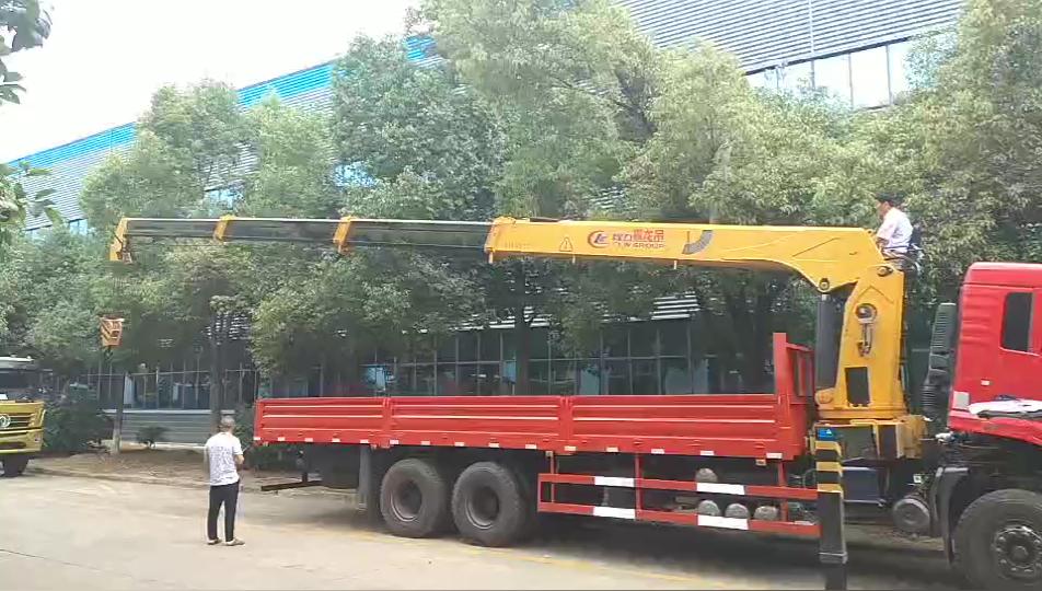 湖北程力12噸4節雙聯泵隨車吊廠家現貨