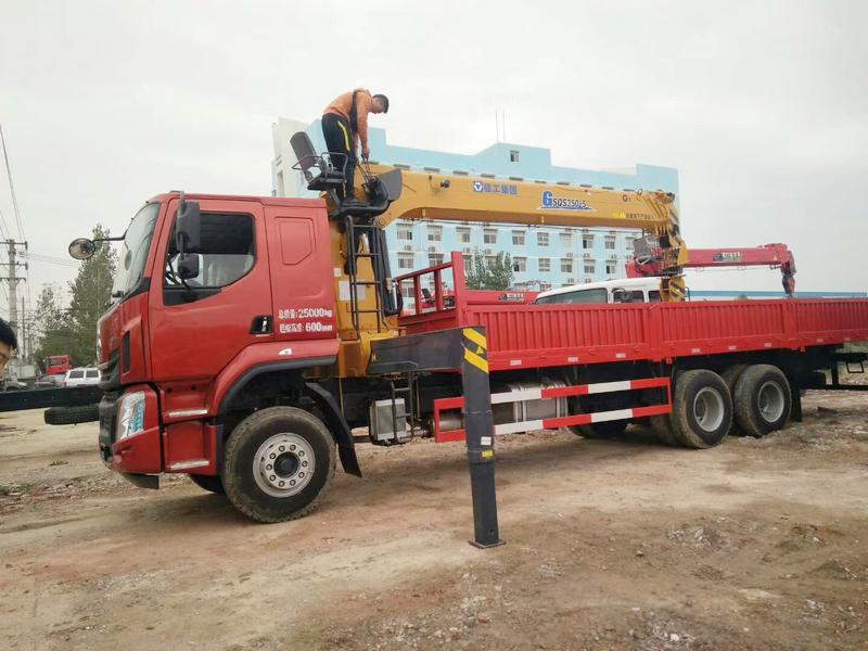 徐工新款14噸吊機 G系列G SQS350-5吊機圖片