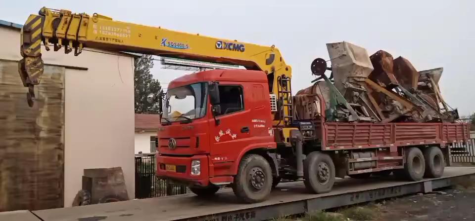 三環前四后八隨車吊配徐工16噸5節臂吊機