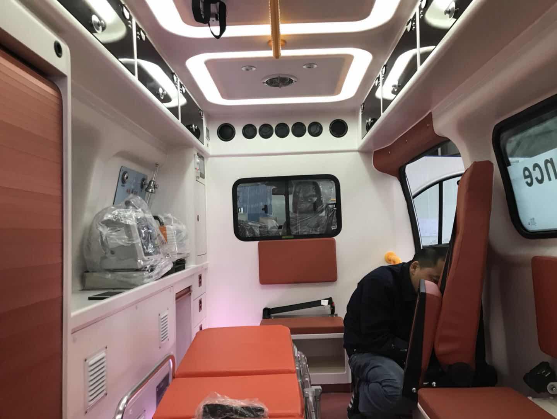 福特航空版救护车15271321777 (9)