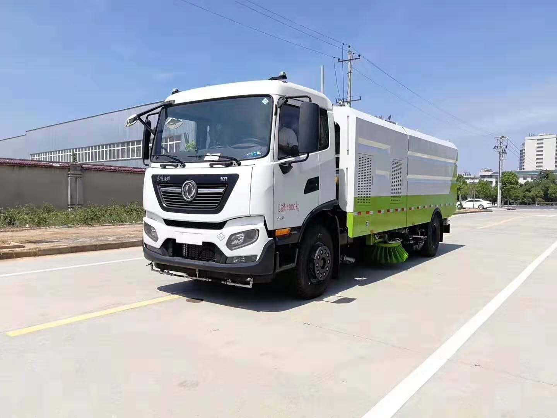 东风国五12吨扫路车多少钱 可装4吨水8方垃圾尘