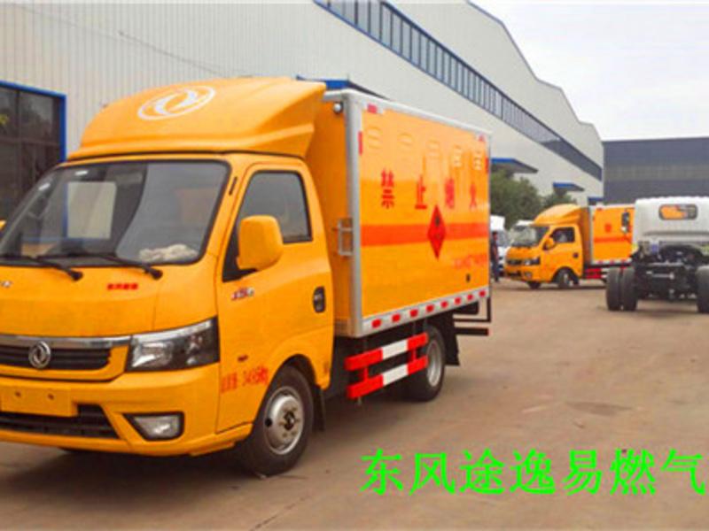 气瓶运输车厂家分享小型东风途逸气瓶运输车运输事项