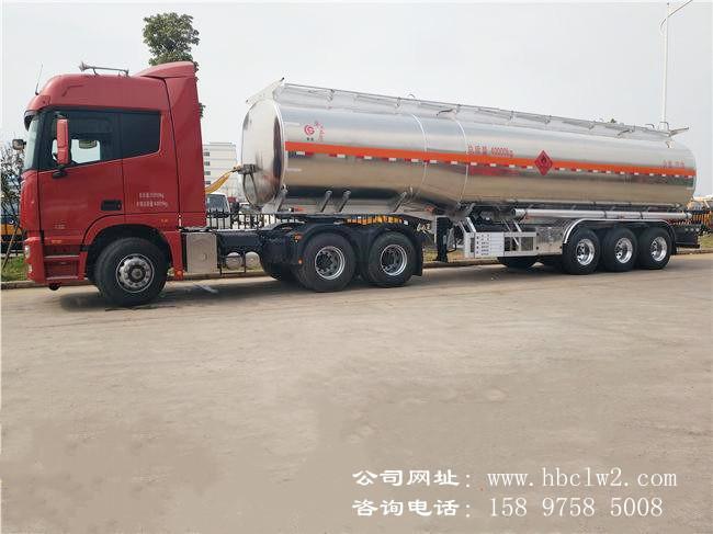 32吨铝合金半挂油罐车价格图片