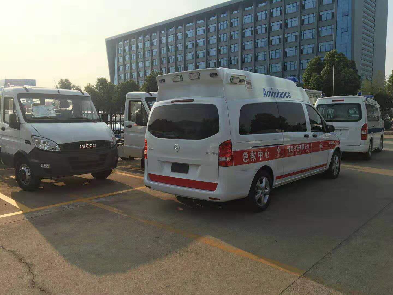 奔馳新威霆救護車