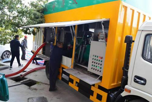 污水净化车可排放水观测视频