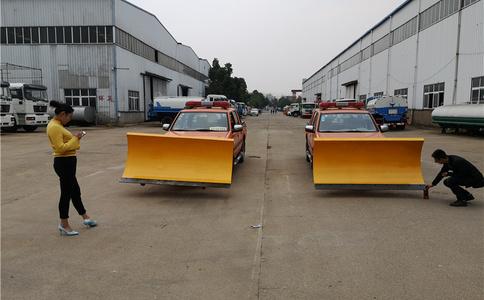 越野4驱皮卡带除雪滚安装调试视频