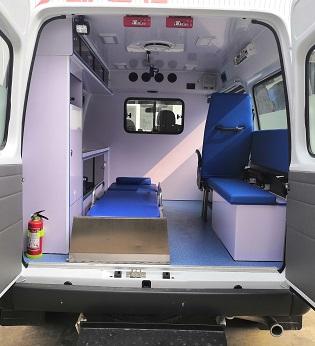 CLW5042XJHCD6型救护车3