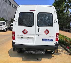 CLW5042XJHCD6型救护车5