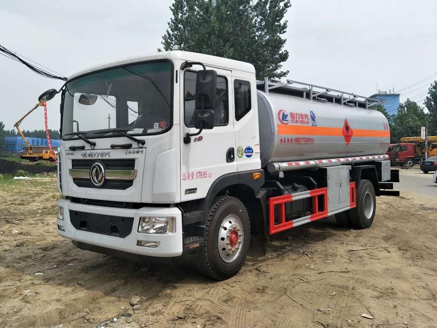 东风多利卡10吨加油车