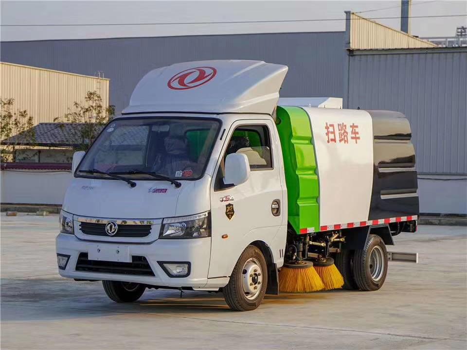 东风途逸国六最小型扫路车图片