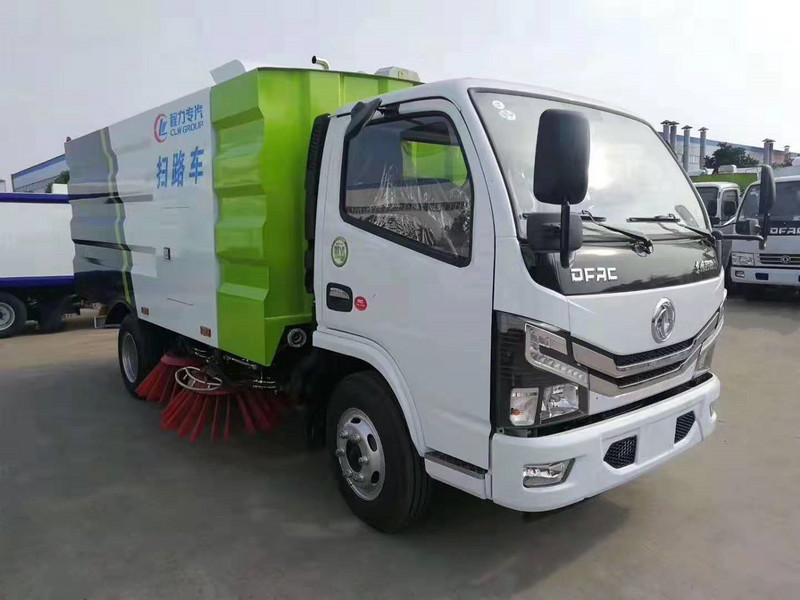 国六东风小多利卡扫路车(5方)