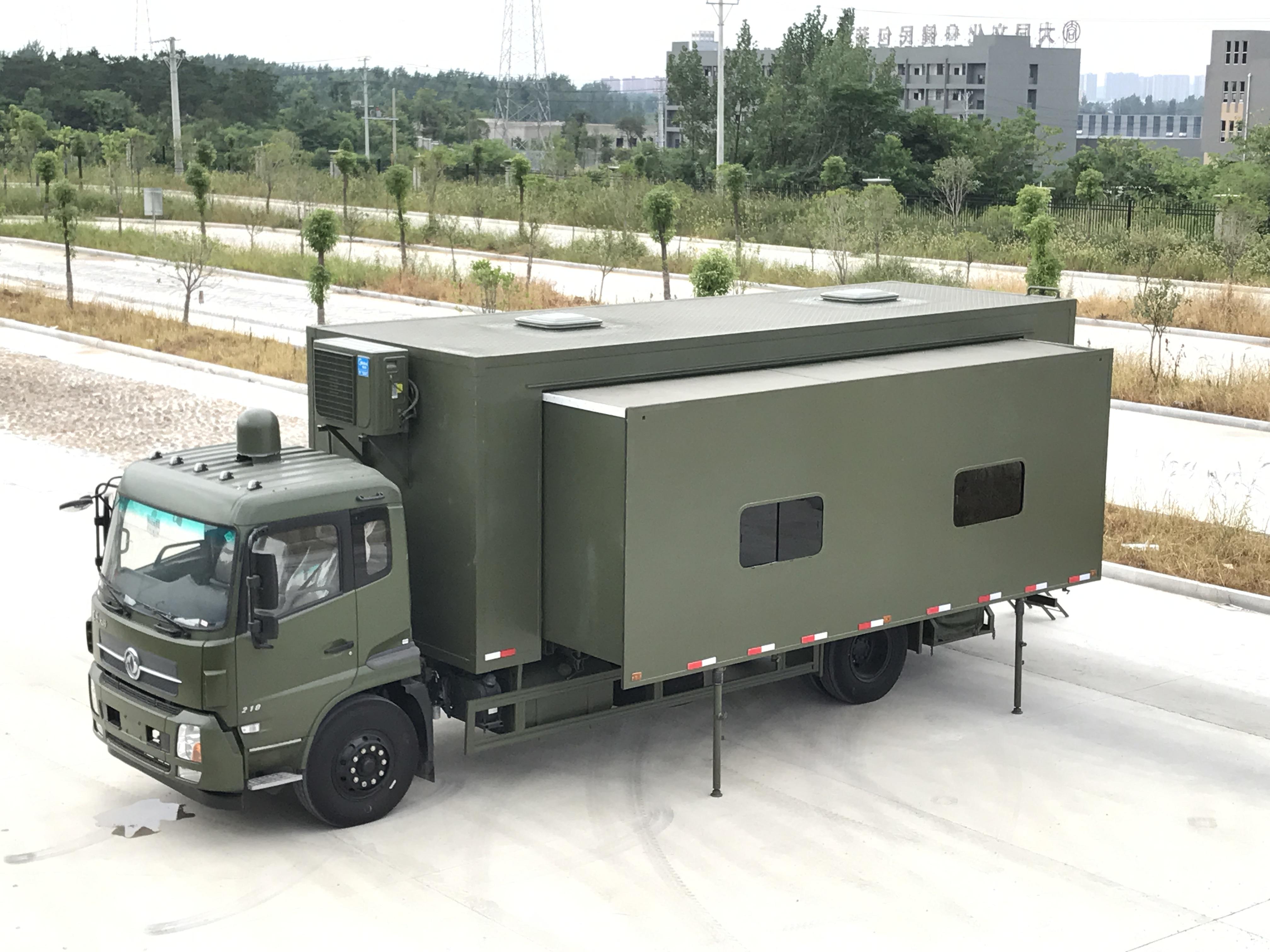 军用宿营车 (8)