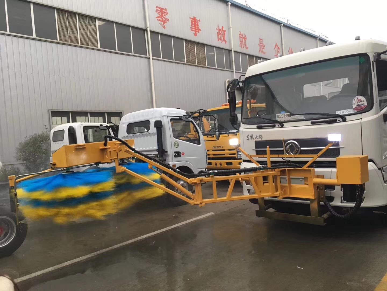 波形高速护栏清洗车10吨洒水车