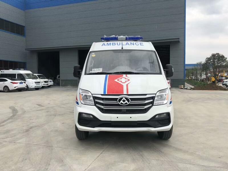 国六大通V80救护车厂家(柴油)