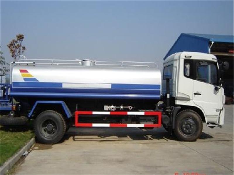 云南省12立方洒水车-绿化洒水车配置最齐全最畅销款式图片