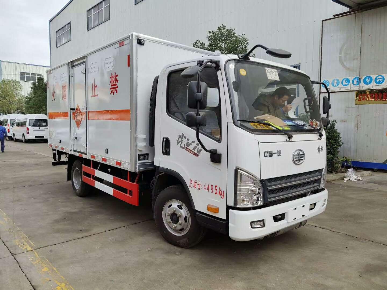 解放虎v爆破器材运输车图片
