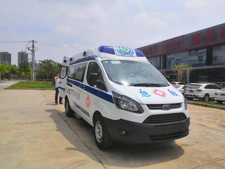 福特新全顺V362自动挡救护车