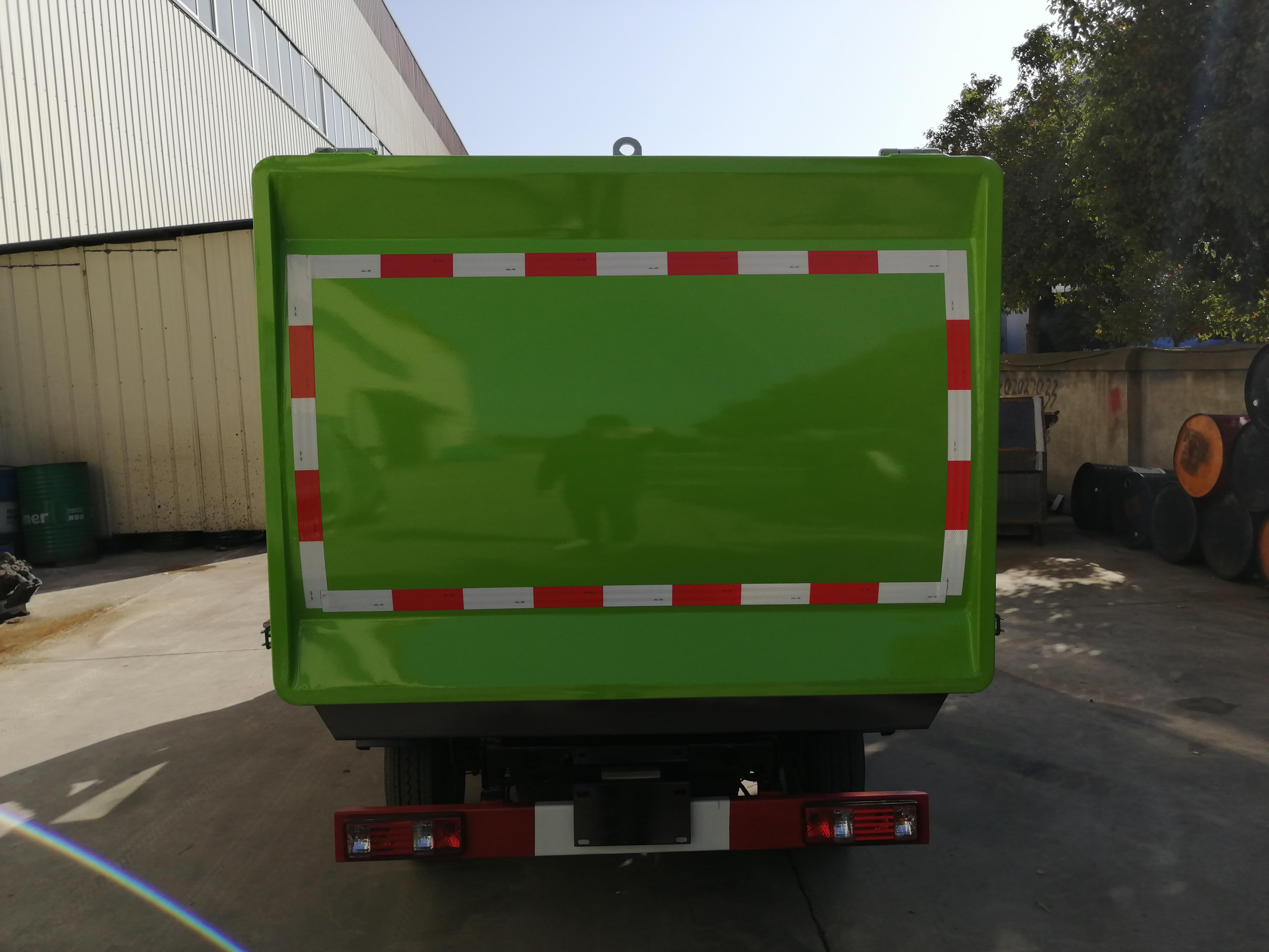 国六长安3方挂通垃圾车3方垃圾车图片