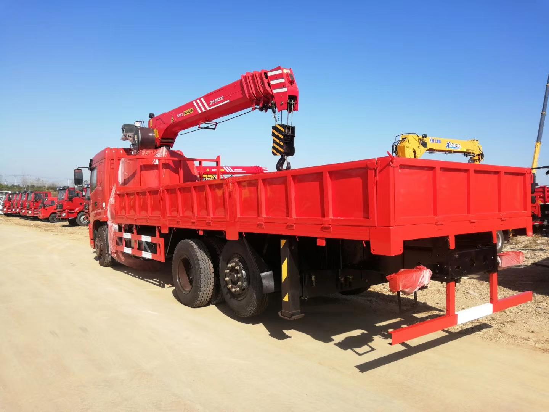 玉柴220马力8吨随车吊图片