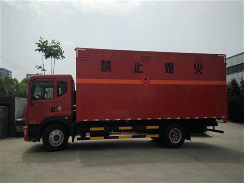 一类东风国六新规危险品运输车最低价