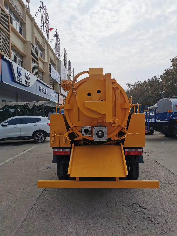 国六清洗吸污车,客户来厂自提,先试吸污功能[鼓掌][鼓掌]