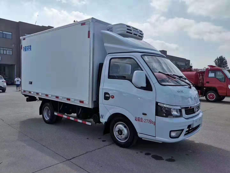 国六东风途逸汽油冷藏车。颜值最高的冷藏车!