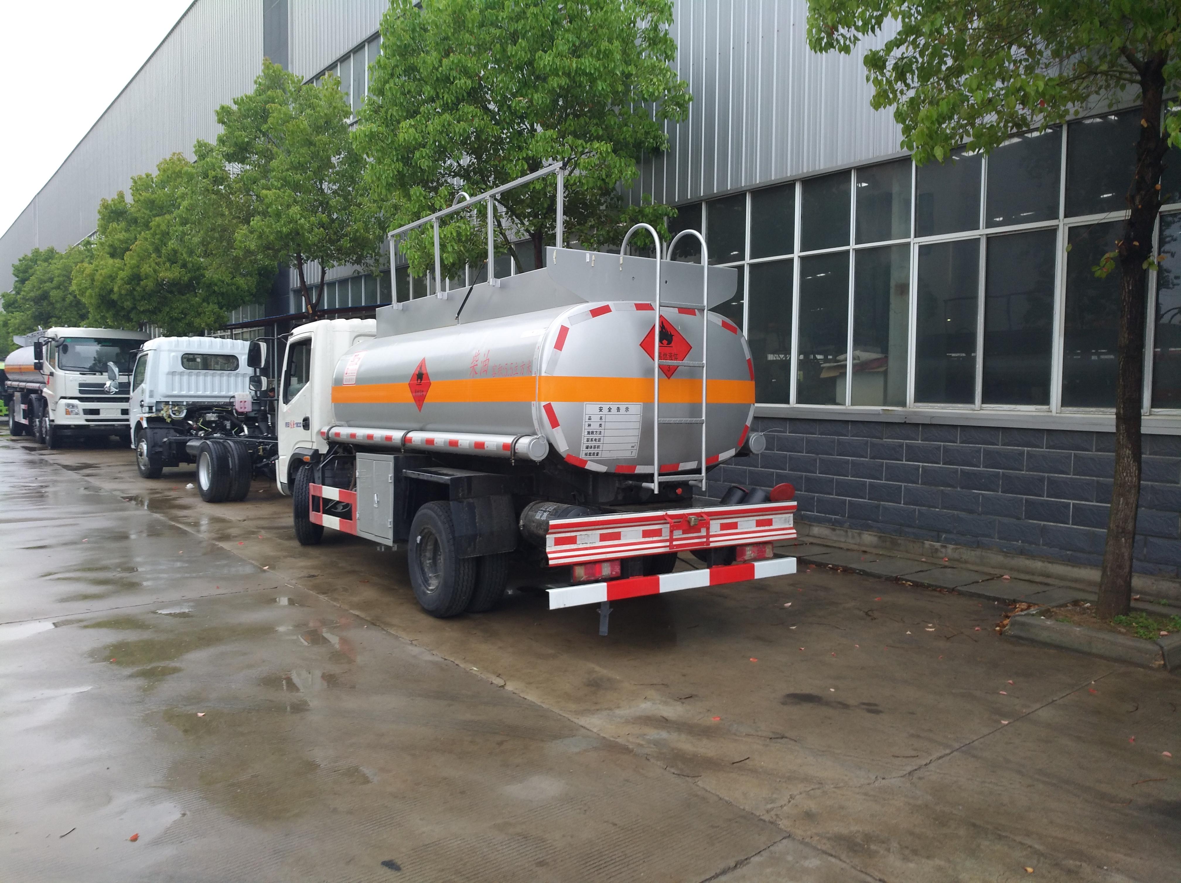 时风5吨6吨油罐车