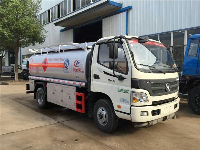 福田欧马可5吨油罐车