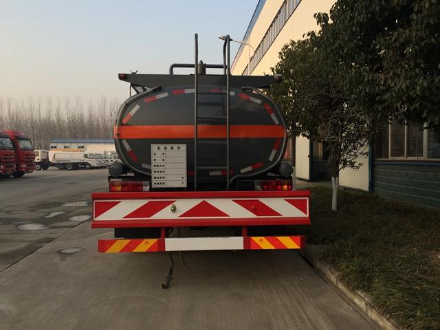解放10吨油罐车
