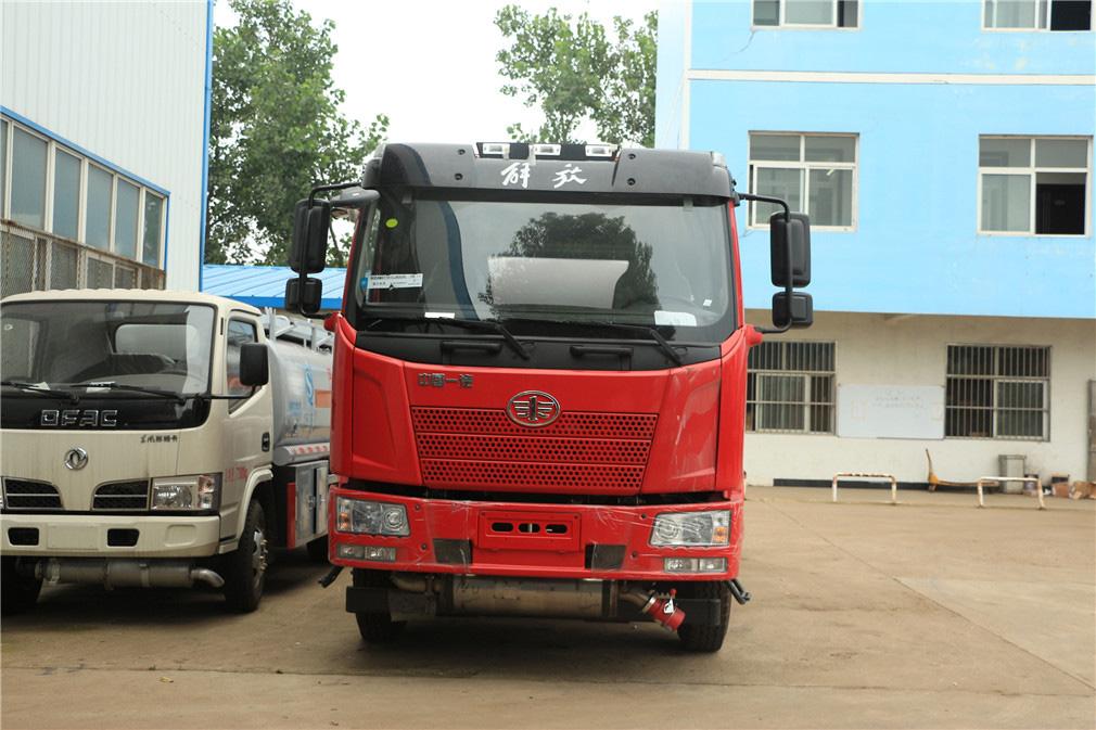 解放j615吨油罐车