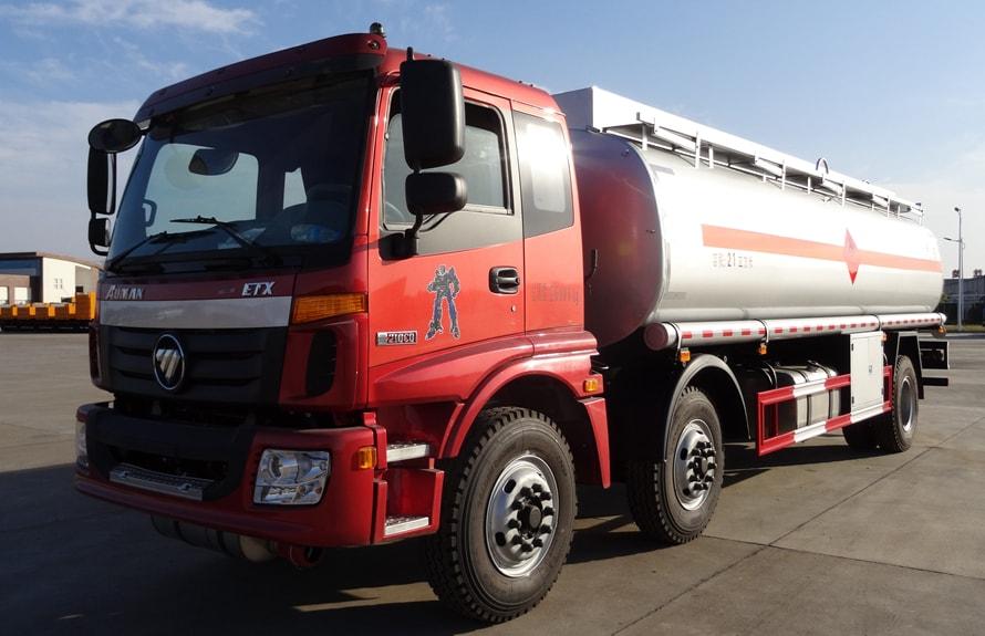 欧曼小三轴18吨20吨油罐车