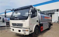 東風多利卡8噸加油車 5噸,10噸加油車多少錢 ,多利卡油罐車