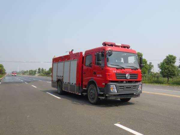 東風專底6噸水罐消防車