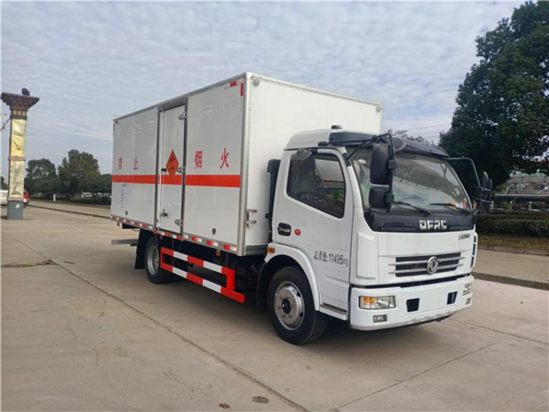 7吨东风大多利卡爆破器材运输车私人定制包上牌