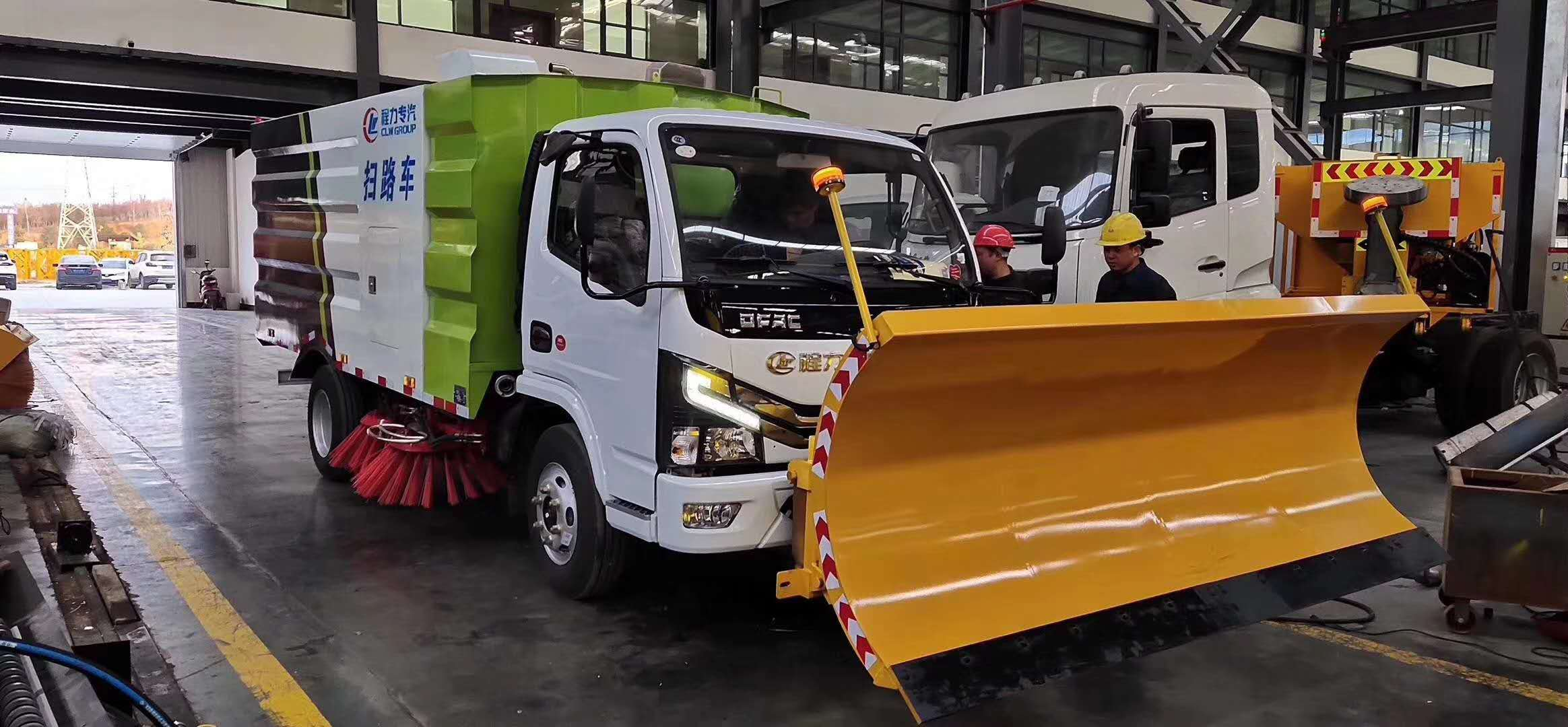 東風多利卡D6掃路車加裝2.5米除雪鏟圖片