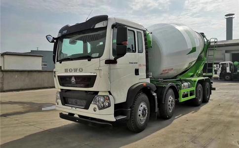 广州商用混凝土轻量化搅拌车重汽豪沃国六实拍视频视频