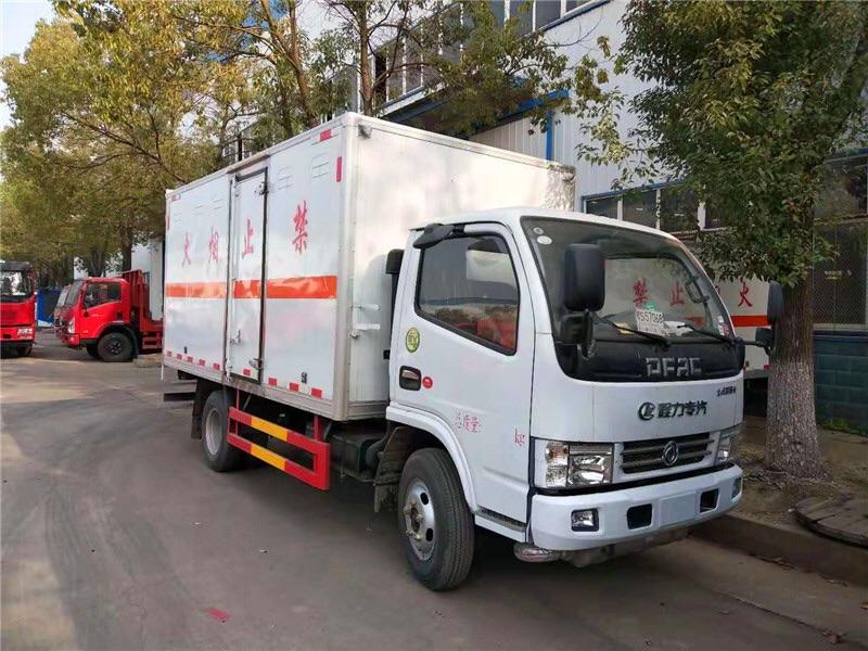 三類東風多利卡易燃液體廂式運輸車廠家直銷圖片