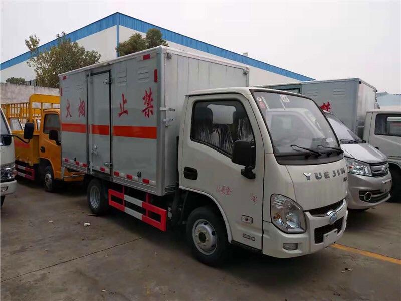 三類躍進3.3米易燃液體廂式運輸車廠家直銷圖片