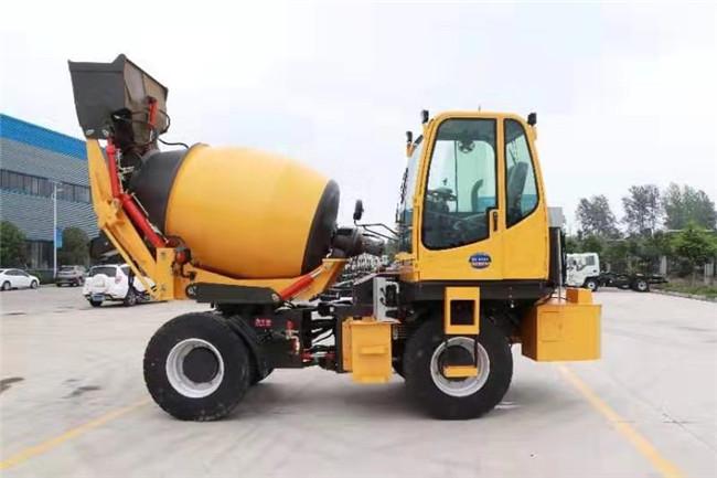 隧道和農村道路施工怎么選擇混凝土攪拌車