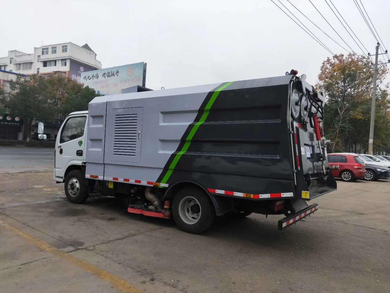 东风多利卡国六吸尘车图片