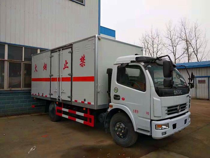 二類東風多利卡5米左右易燃氣體廂式運輸車在那買圖片