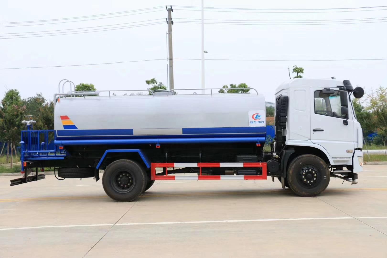 东风专底新款D3L驾驶室14方洒水车14吨洒水车