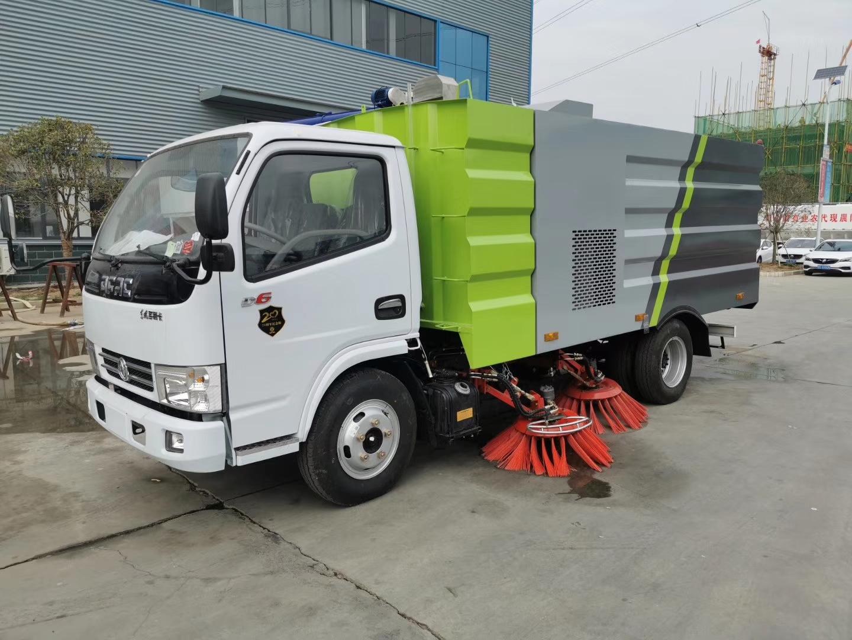 國五東風D6小多利卡全柴115馬力5方掃路車圖片